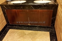 Nero Marquina & Travertine Combination